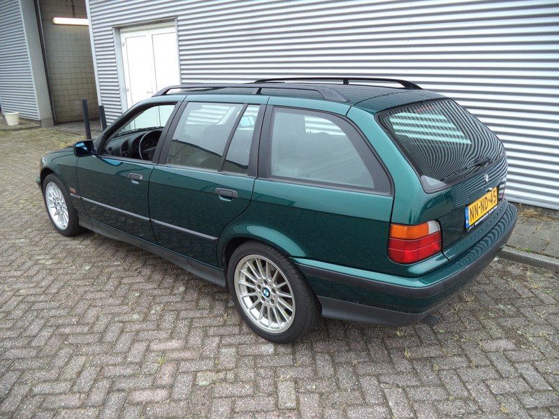 BMW Touring 318i Executive Automaat Sportstoelen
